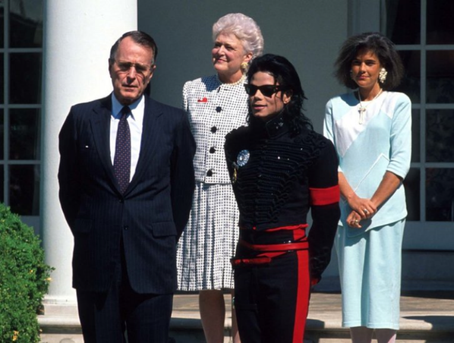 President Bush Gives Michael Jackson 'Artist of the Decade' Award in 1990