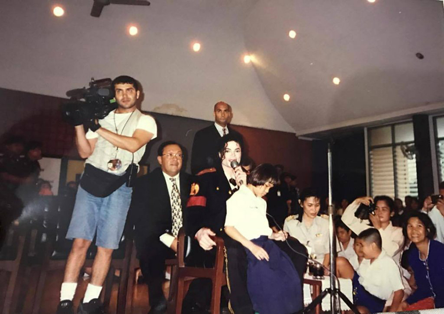 Michael Jackson at Thailand school for the blind in 1996
