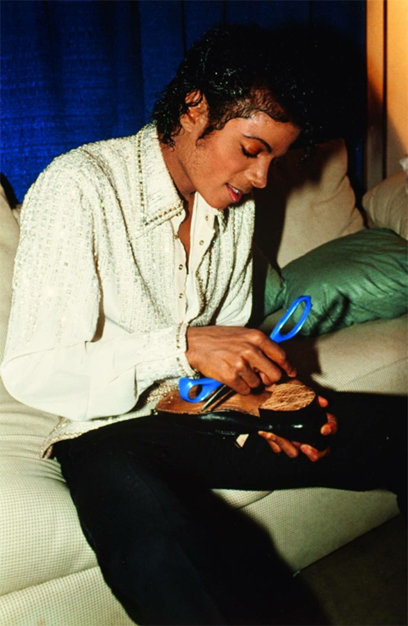 A Glimpse Behind The Scenes Of The Victory Tour