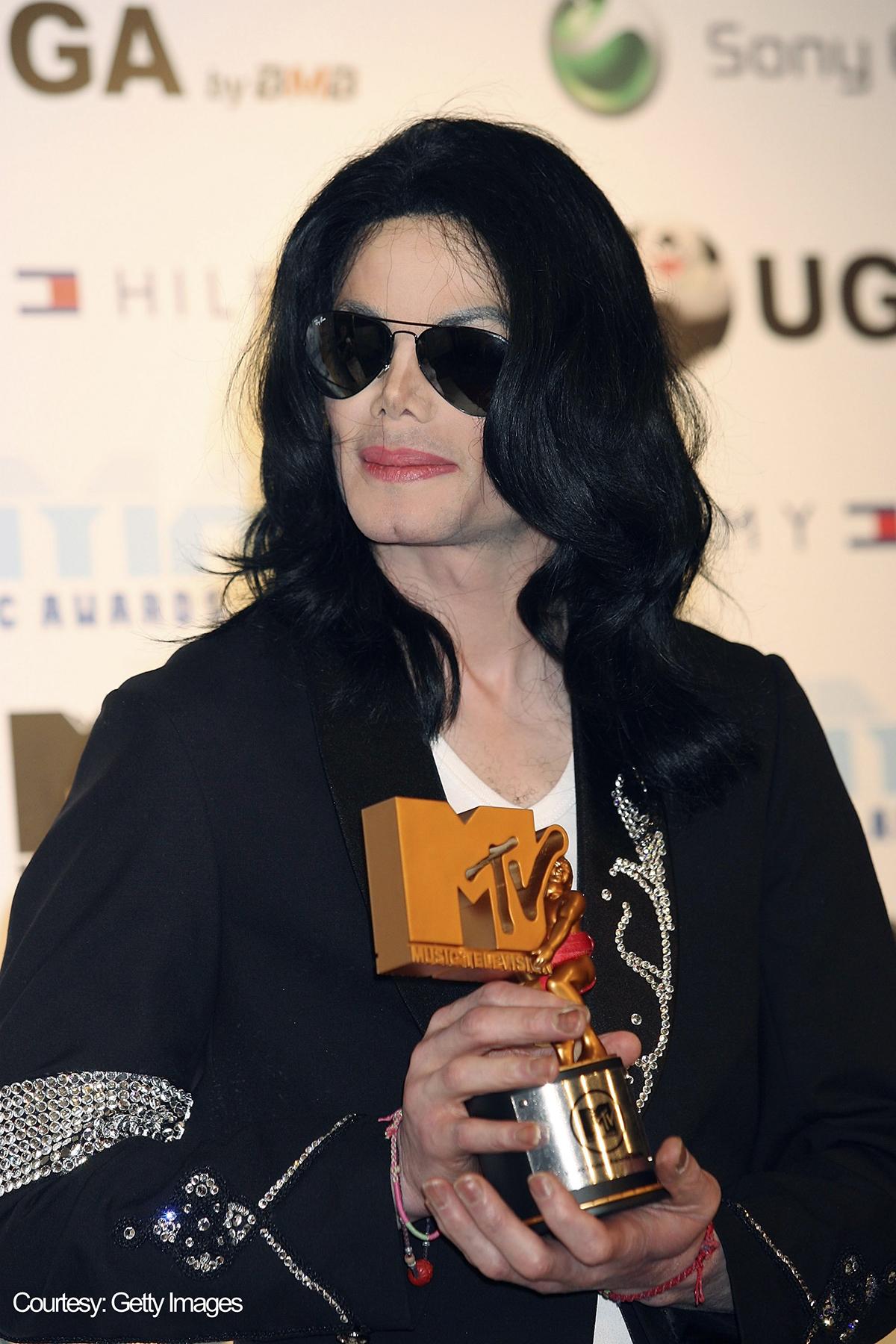 Michael Jackson receives Legend Award at 2006 MTV Video Music Awards in Tokyo, Japan on May 27, 2006