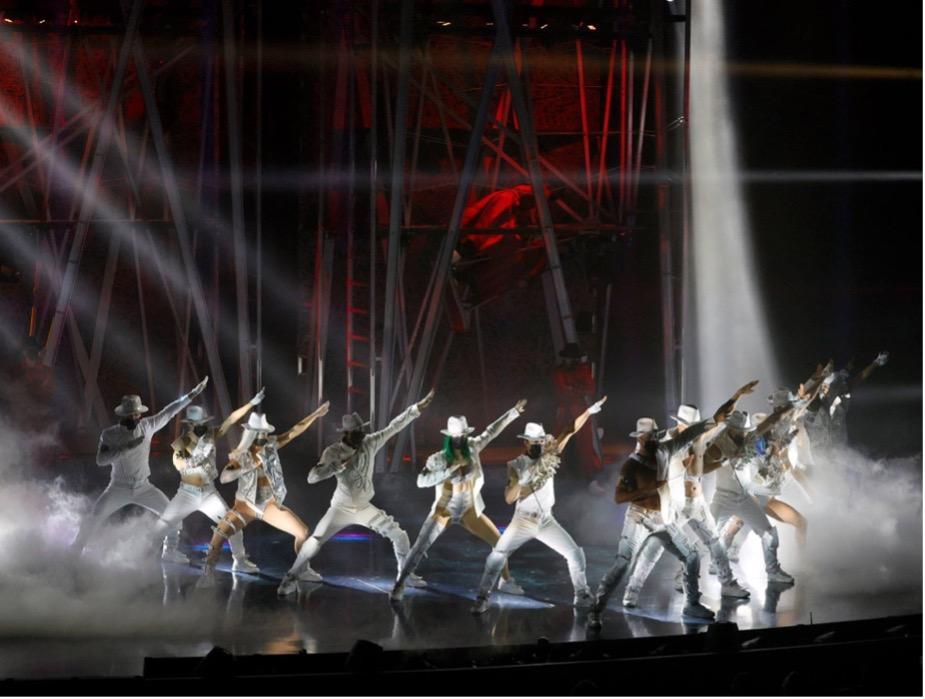 Michael Jackson ONE Lauded For Awesome Gymnastics & Faithful MJ Choreography