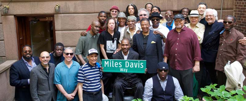 Miles Davis Way Unveiled In New York City (May 26, 2014 – Photo 25)