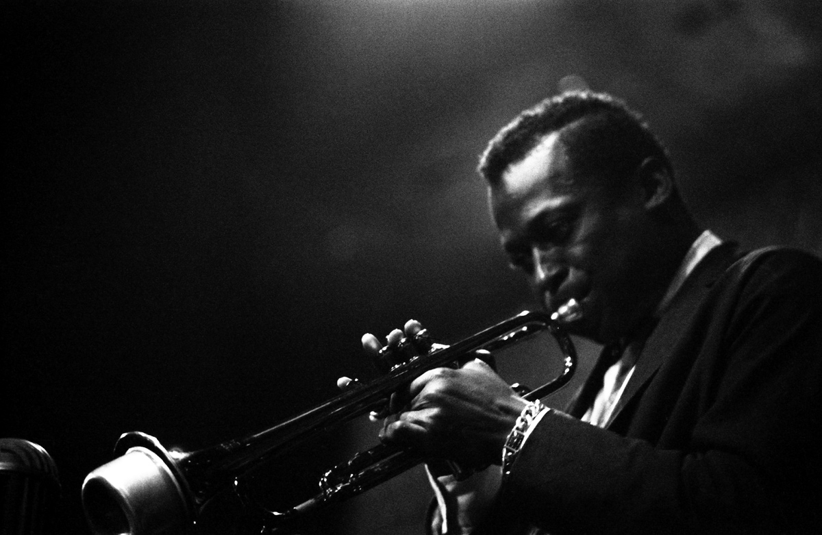 Miles Davis Official Photo 140
