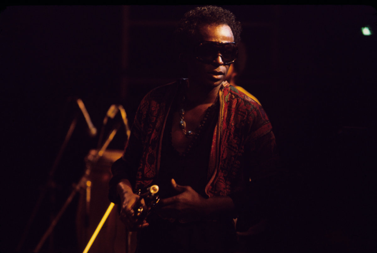 Miles Davis Official Photo 141
