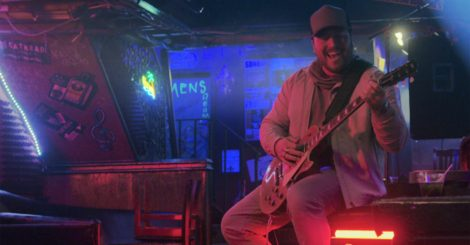 "MITCHELL TENPENNY RELEASES MULTI-LAYERED, VISUALLY COMPELLING MUSIC VIDEO FOR HIS LATEST SINGLE ""ALCOHOL YOU LATER"""