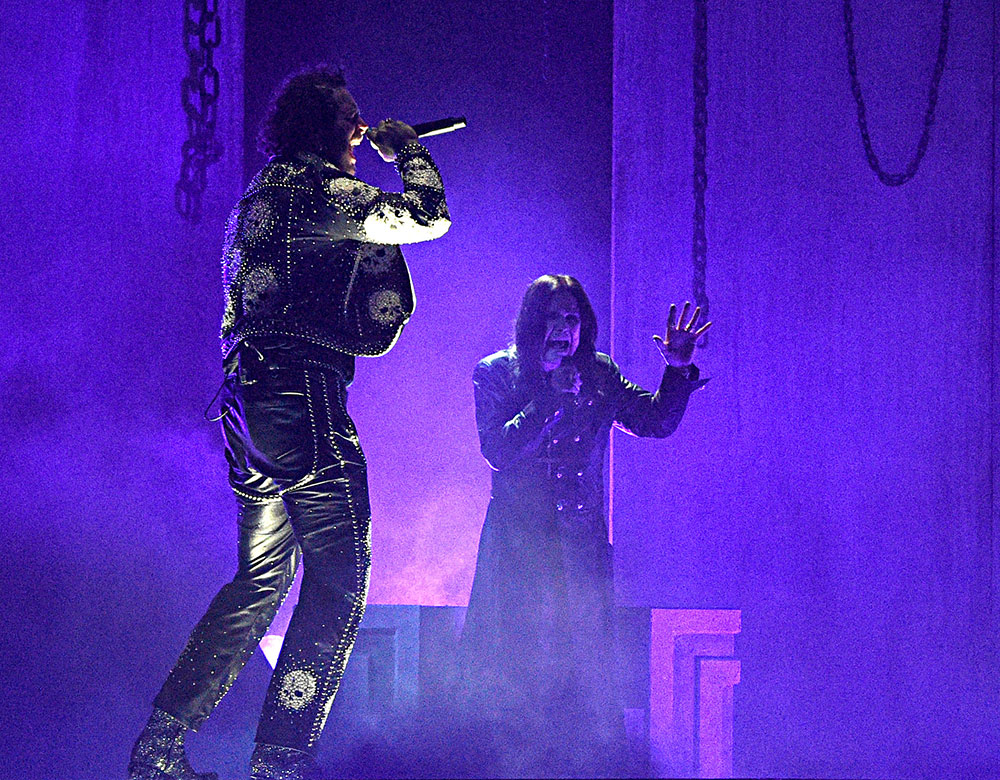 Ozzy Osbourne and PostMalone perform Take What You Want at American Music Awards November 24, 2019