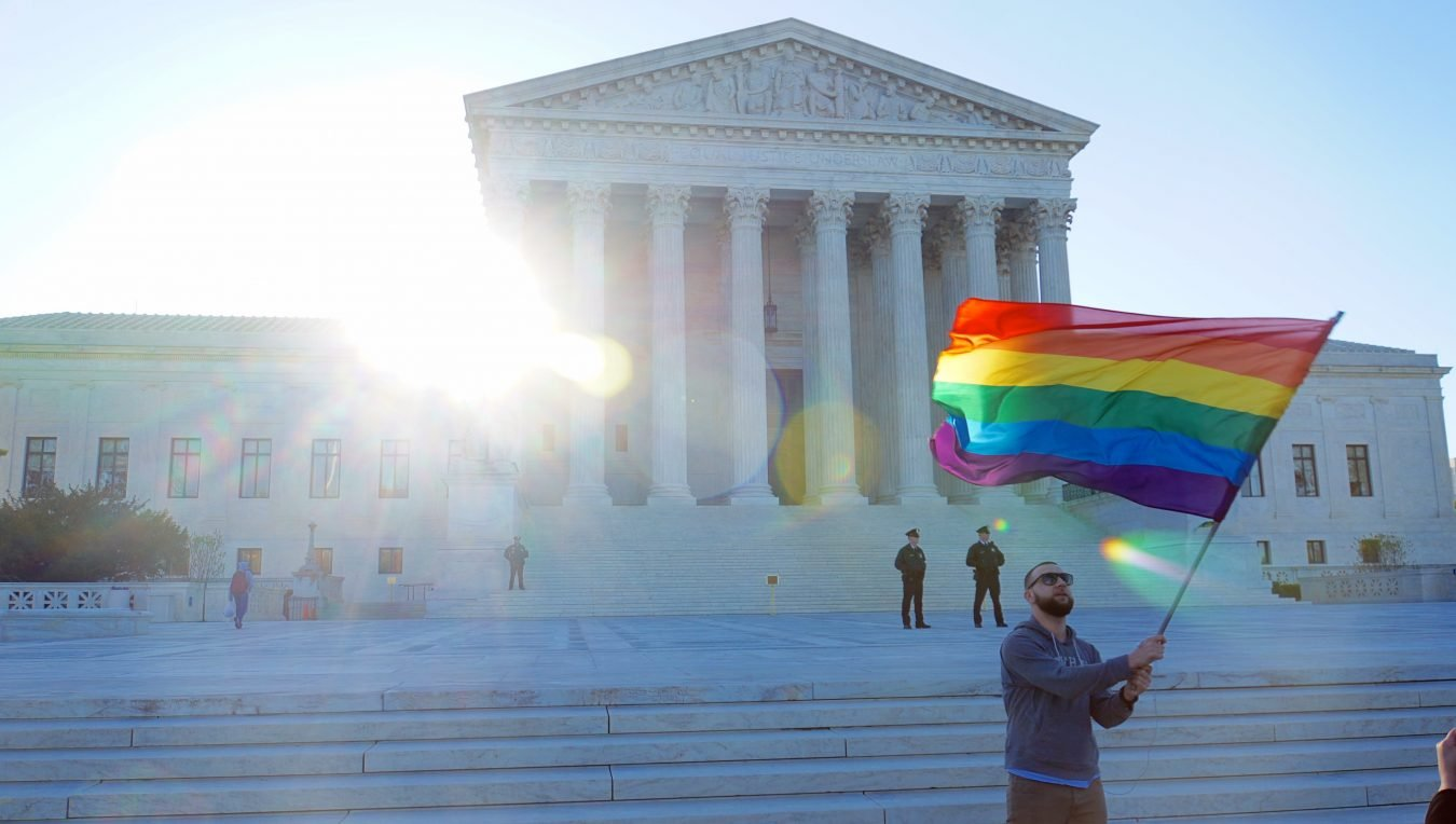 AMERICA LEGALIZES SAME SEX MARRIAGE