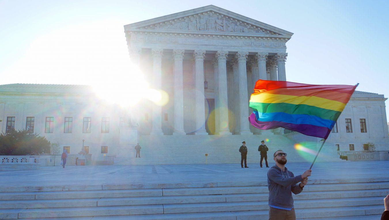 AMERICA LEGALIZES SAME SEX MARRIAGE
