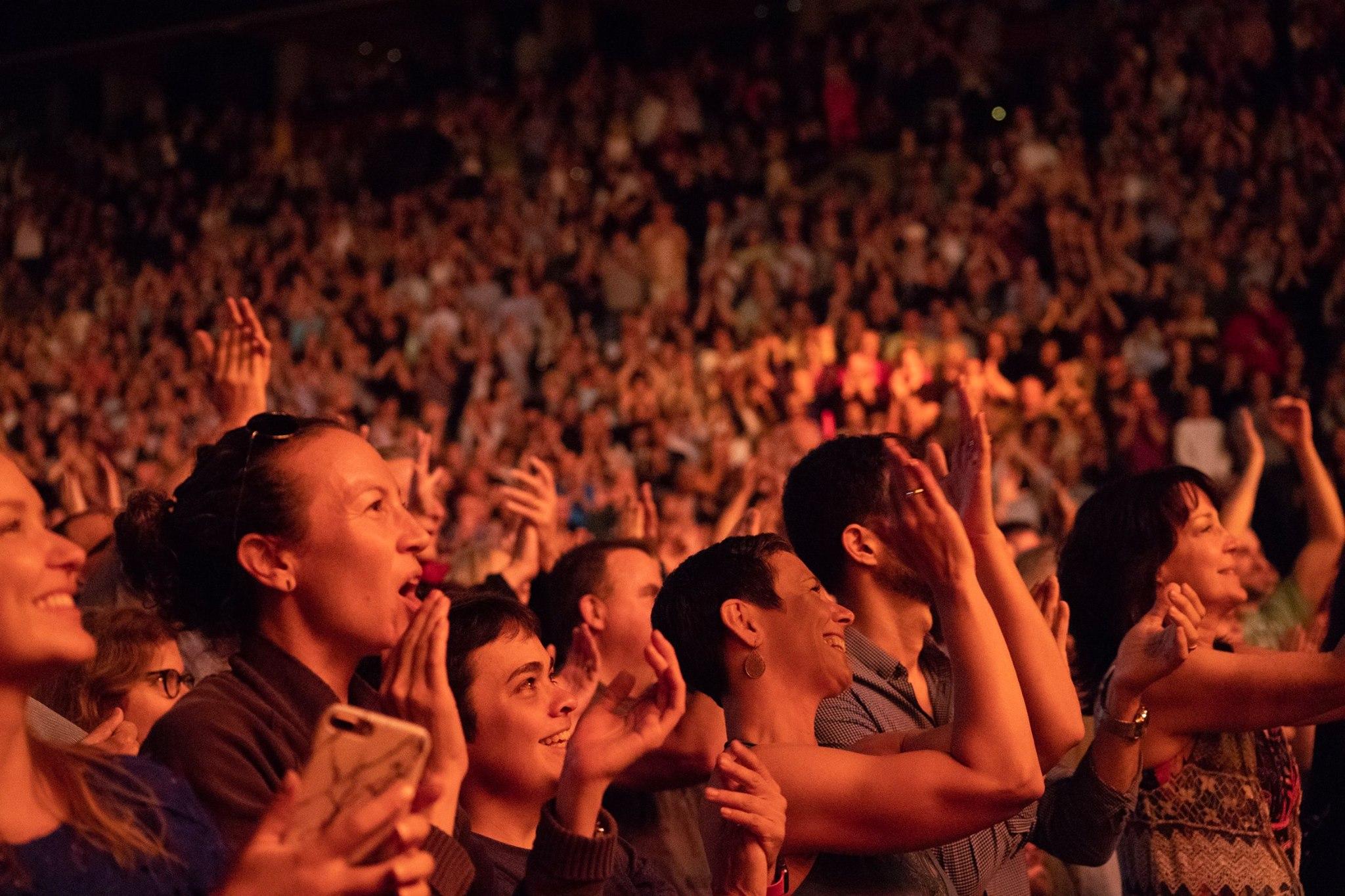 Amazing Crowd In Boston Tonight