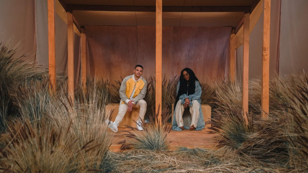 """H.E.R. AND TAUREN WELLS DEBUT VISUAL FOR THEIR DUET """"HOLD US TOGETHER (HOPE MIX)"""""""