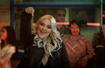 "Elle King Premieres ""America's Sweetheart"" Video"