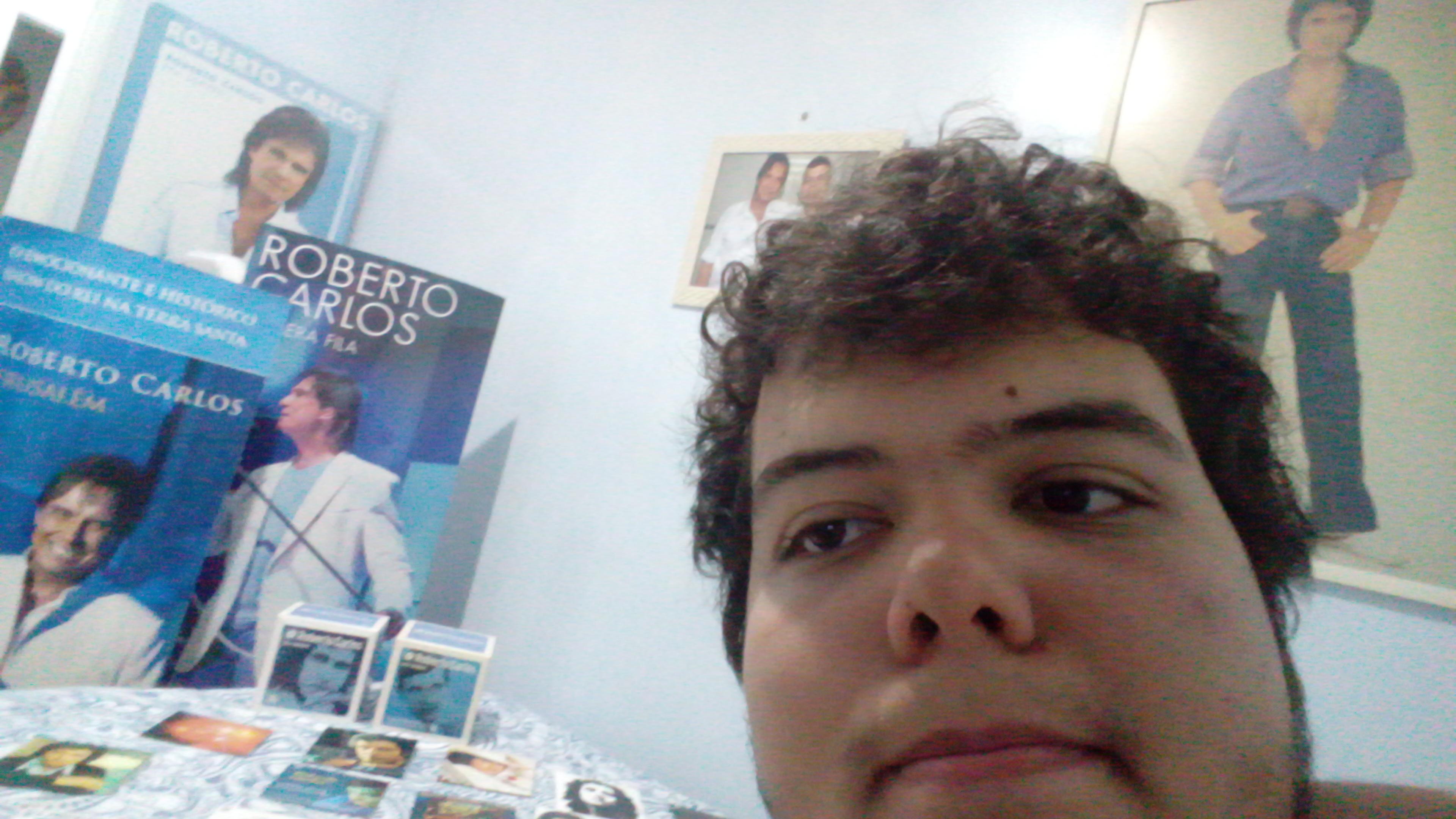 Nicholas Amaral Alves – Durmo e acordo vendo nosso rei Roberto Carlos - Durmo e acordo vendo nosso rei Roberto carlos