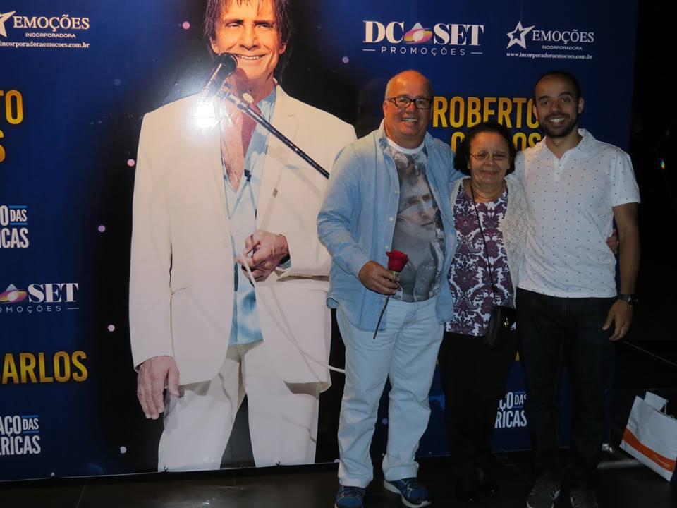 Roberto Silva de Sá Barreto -Show do RC-Espaço das Américas, 15/07/20116, Eu,minha Mãe e meu Pai. - Show do Roberto Carlos no Espaço das Américas, dia 15/07/20116, Eu Roberto, minha Mãe e meu Pai.