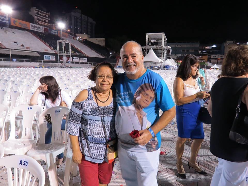 Maria do Socorro Silva de Sá Barreto e seu marido Sérgio - Show de        Aniversário do Roberto Carlos, dia 19 de abril de 2016, eu e meu marido Sérgio.