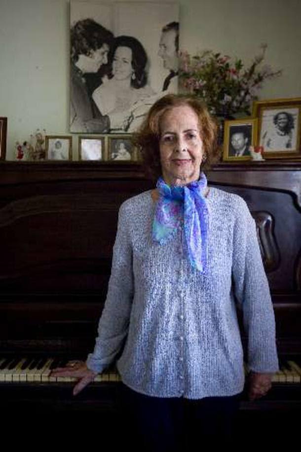 Helena Mignone - Professora de piano, virou fã, viu virar o maior !