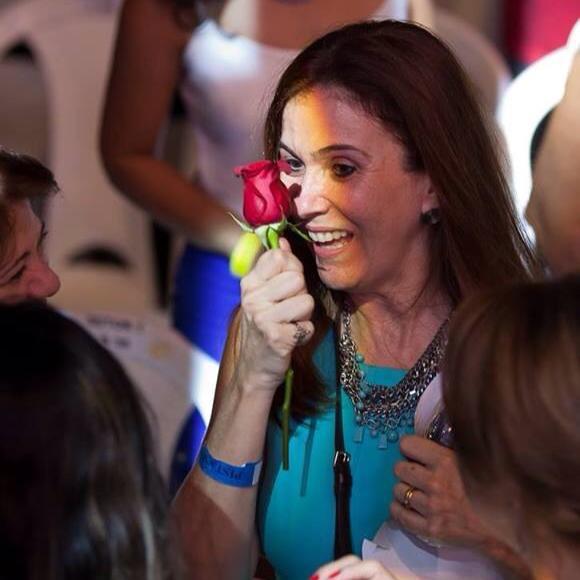 Maria Raquel Gomes Lourenço - Quem espera sempre alcança! Cuiabá 2014