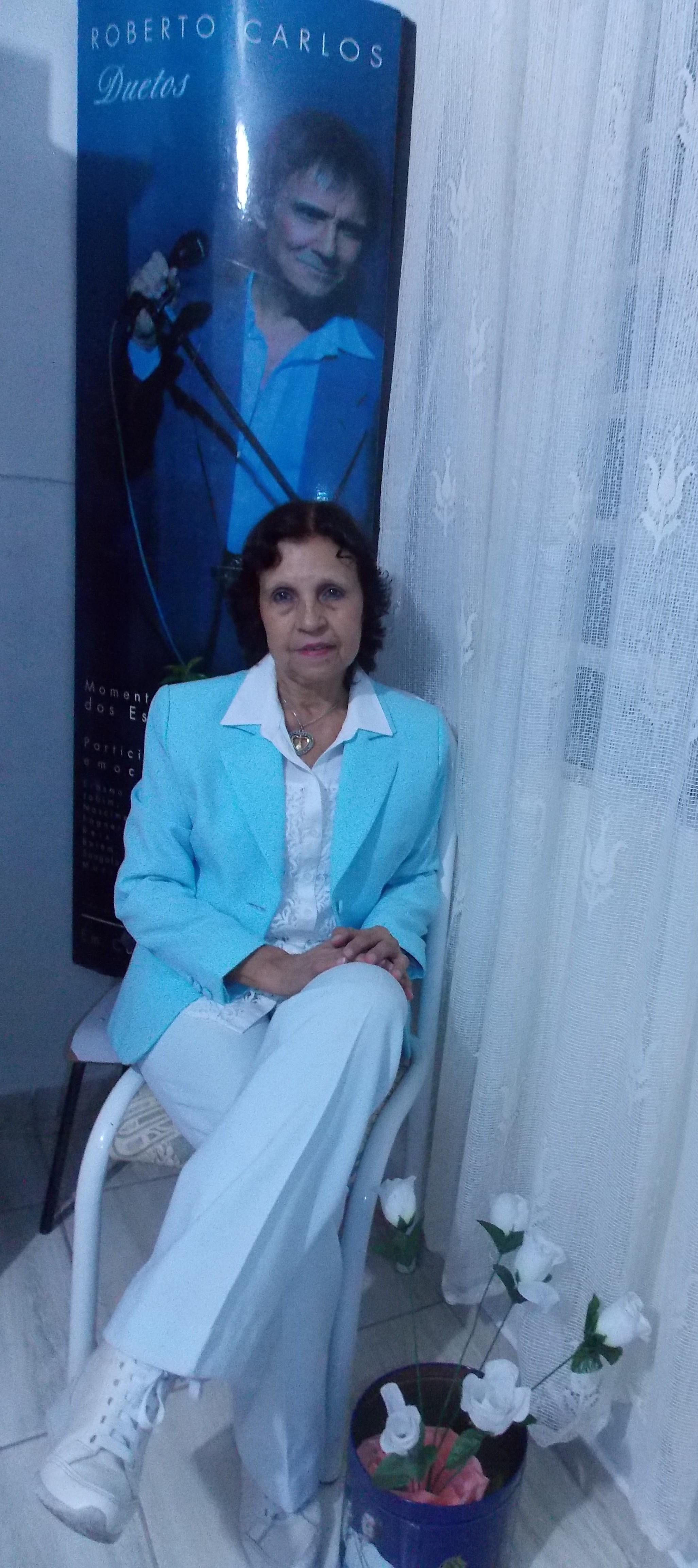 Maria de Oliveira - Sou fan do Rei desde os 9 anos de idade e o amo .