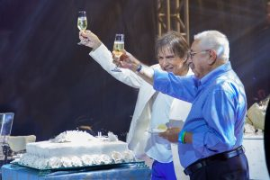 "¡Feliz cumpleaños, Roberto!"""