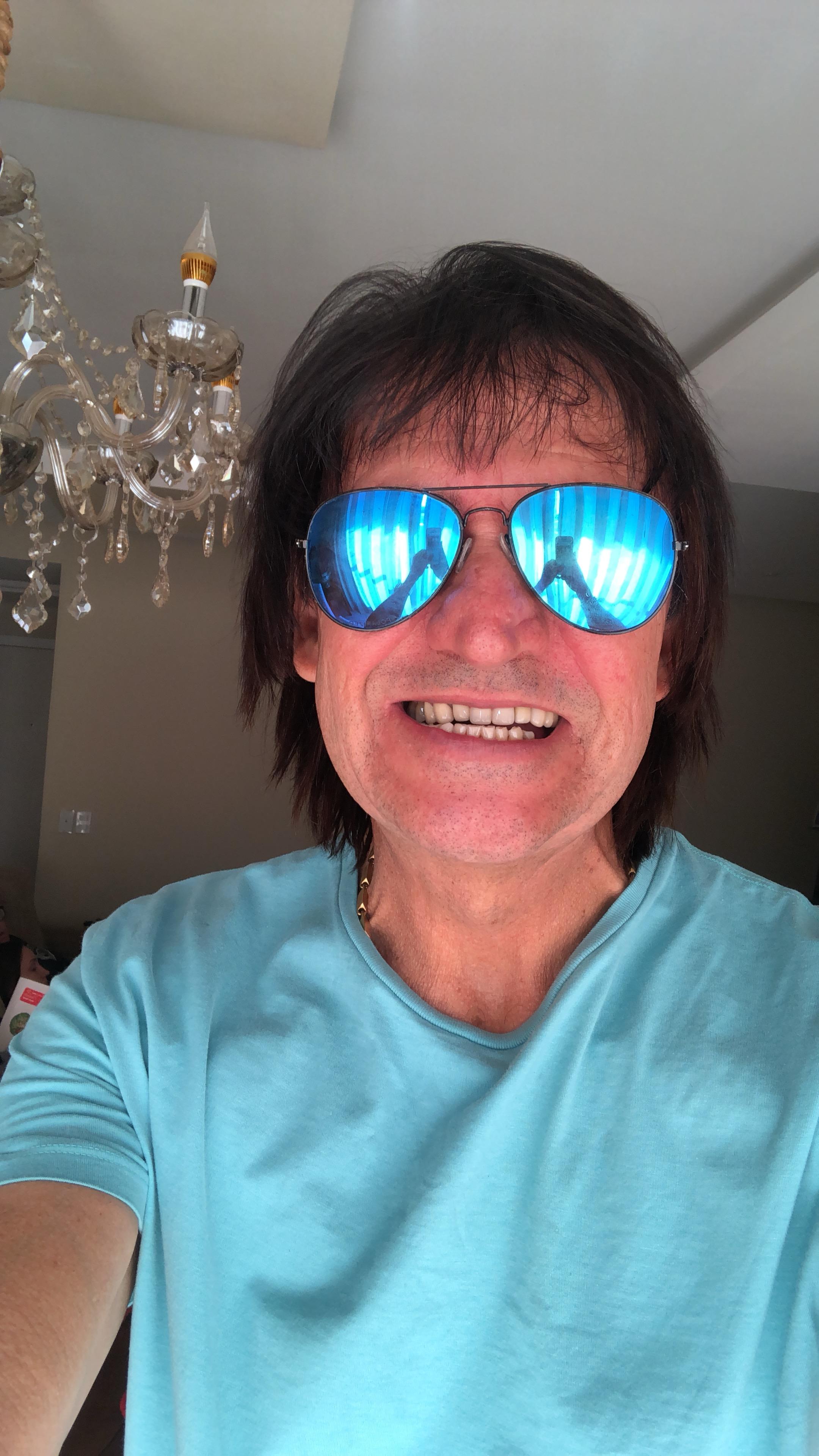 Paulo - Fã incondicional maior cantor mundo