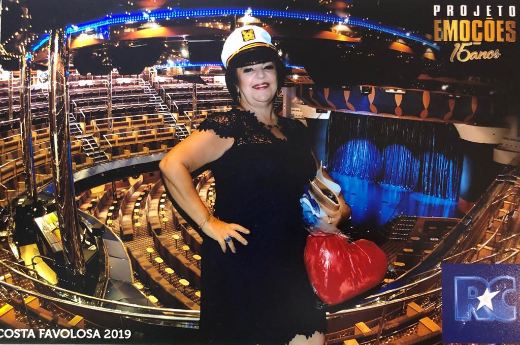 Maria Chryssa Colpo - Foto na plateia do navio Costa Favolosa 2019