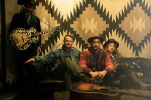 Lone_Bellow_Band