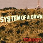 Albumcover-System-of-a-Down-auf-rockde