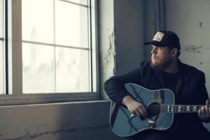 """LUKE COMBS' """"HURRICANE"""" SOARS INTO NO.1  AT U.S. COUNTRY RADIO & NO. 3 AT CANADIAN COUNTRY RADIO TODAY"""
