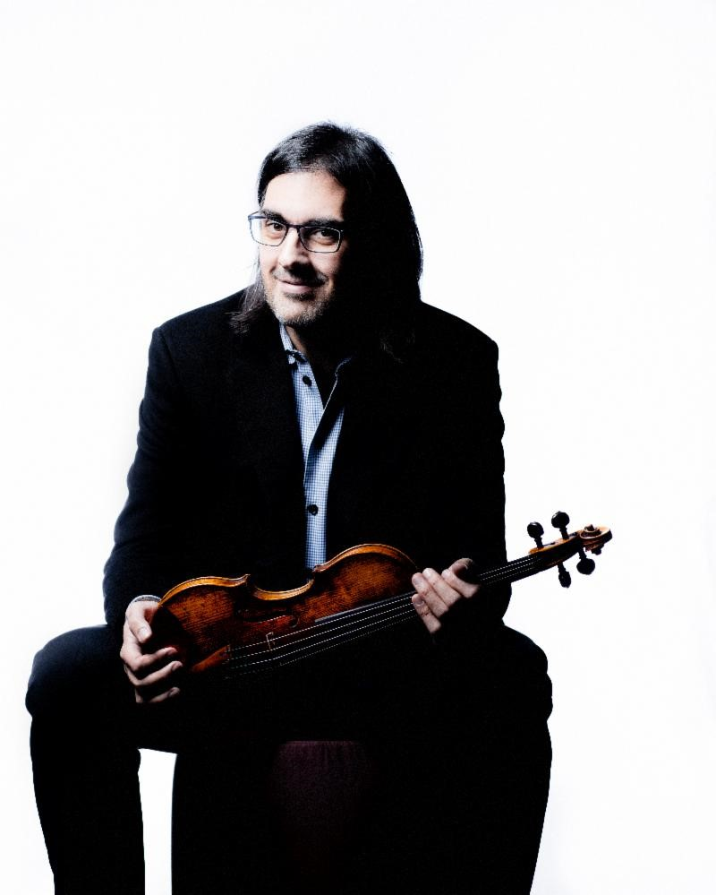 STAR VIOLONIST LEONIDAS KAVAKOS  SIGNS TO SONY CLASSICAL