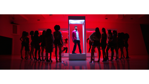 """CHART-TOPPING SUPERSTAR CHRIS BROWN  RELEASES """"HEAT"""" VISUAL FEATURING GUNNA"""