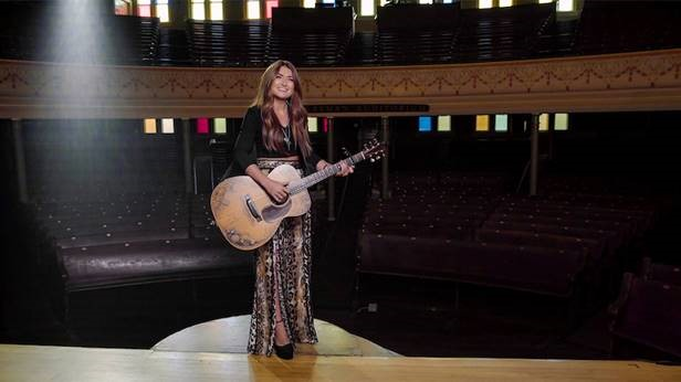 "TENILLE TOWNES' ""BIG HEARTS FOR BIG KIDS"" VIRTUAL BENEFIT CONCERT RAISES ,000"