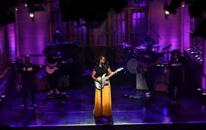 """GRAMMY AWARD WINNER H.E.R. MAKES STELLAR DEBUT ON SATURDAY NIGHT LIVE WITH PERFORMANCES OF """"DAMAGE"""" AND """"HOLD ON"""""""