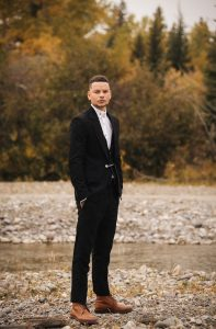 "KANE BROWN PREMIERES ""WORSHIP YOU"" MUSIC VIDEO TODAY"