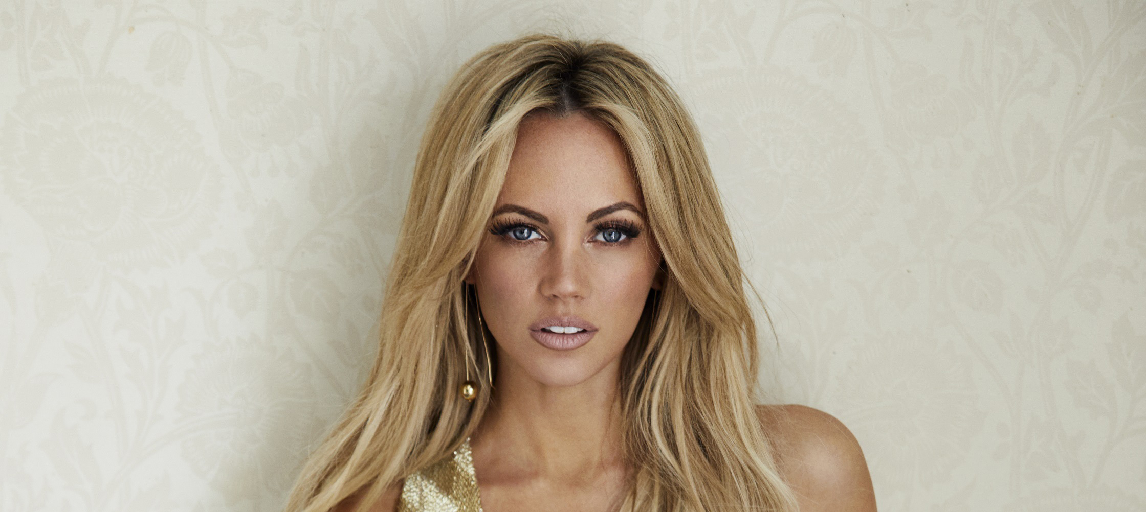 Samantha Jade releases new album 'The Magic Of Christmas'