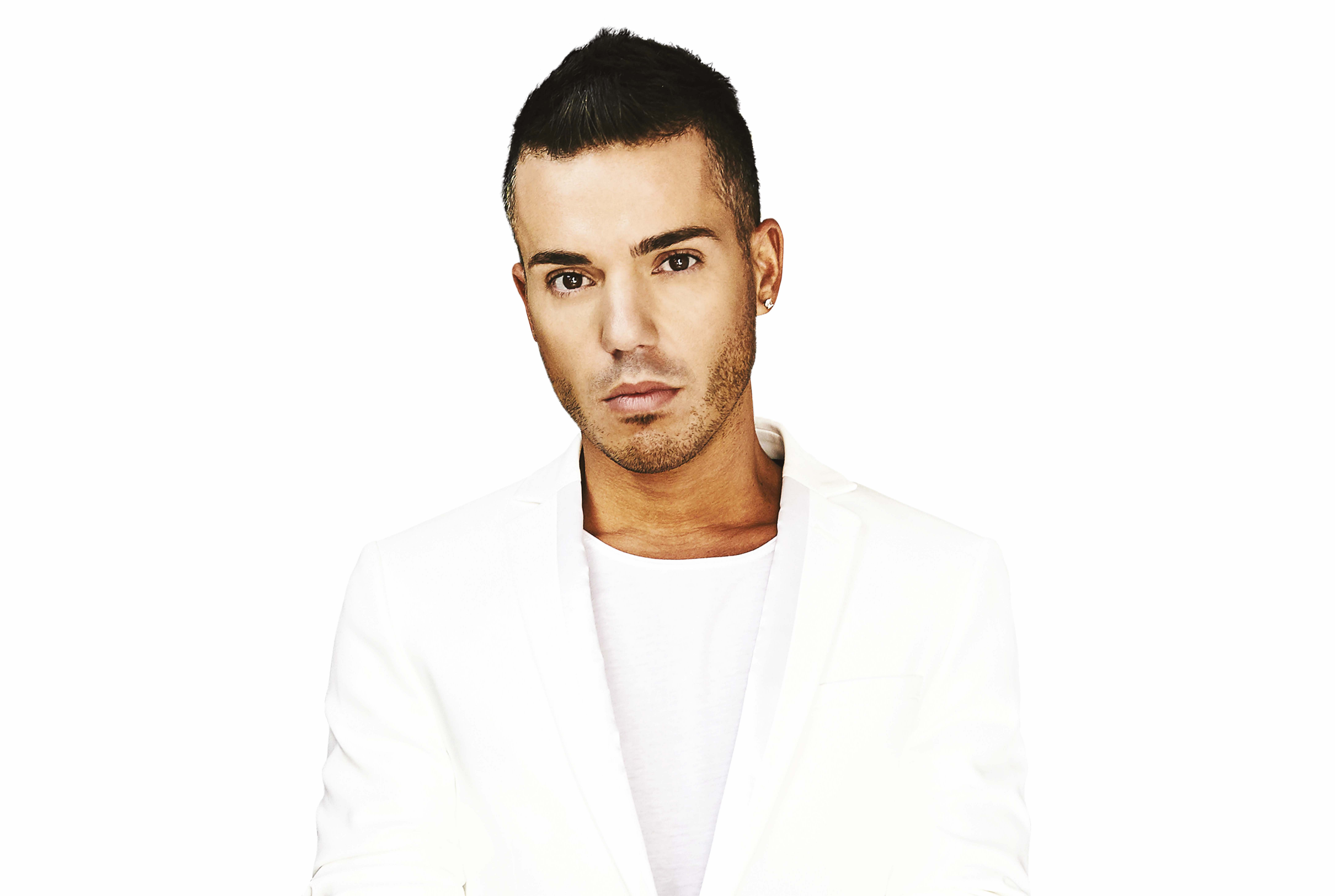Anthony Callea's 'ARIA Number 1 Hits In Symphony' is Out Now!