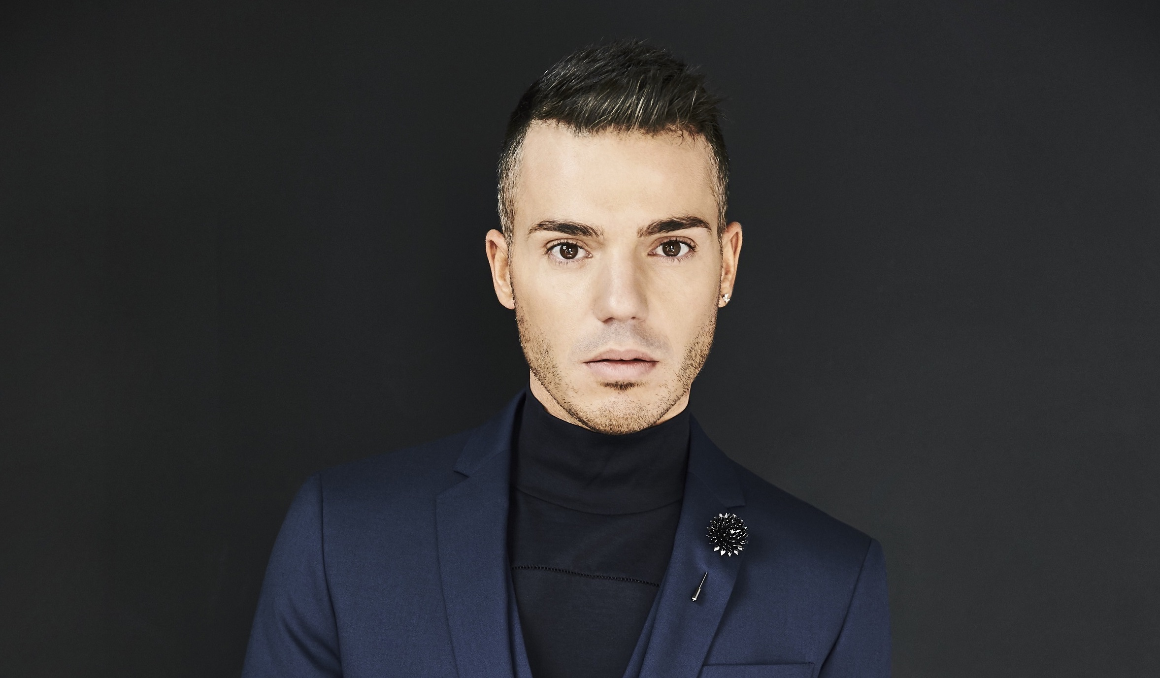 ANTHONY CALLEA'S ARIA NUMBER 1 HITS IN SYMPHONY DEBUTS AT #1 ON THE ARIA ALBUM CHART