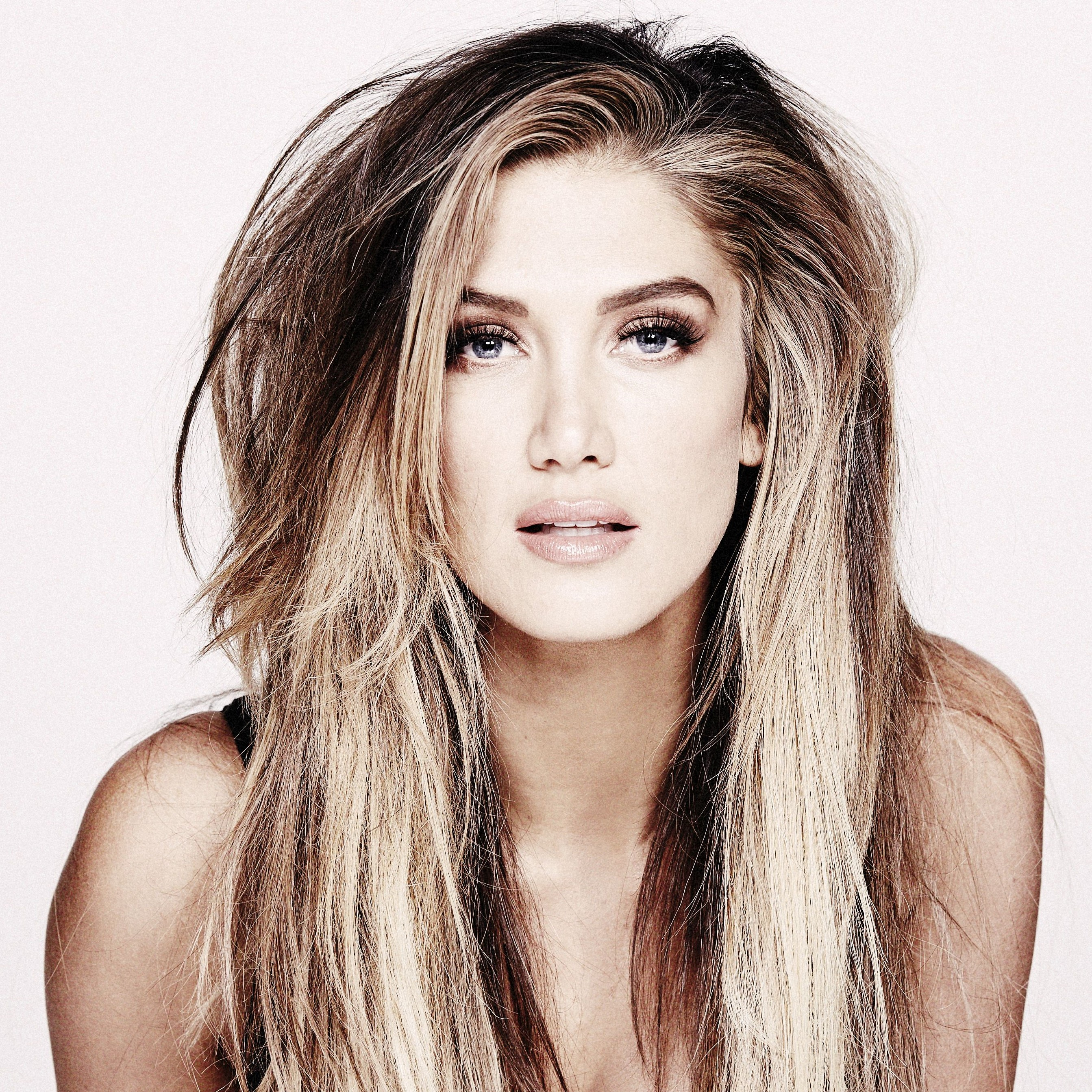 Delta Goodrem's Album 'Wings Of The Wild' Reaches #1 On ARIA Chart!