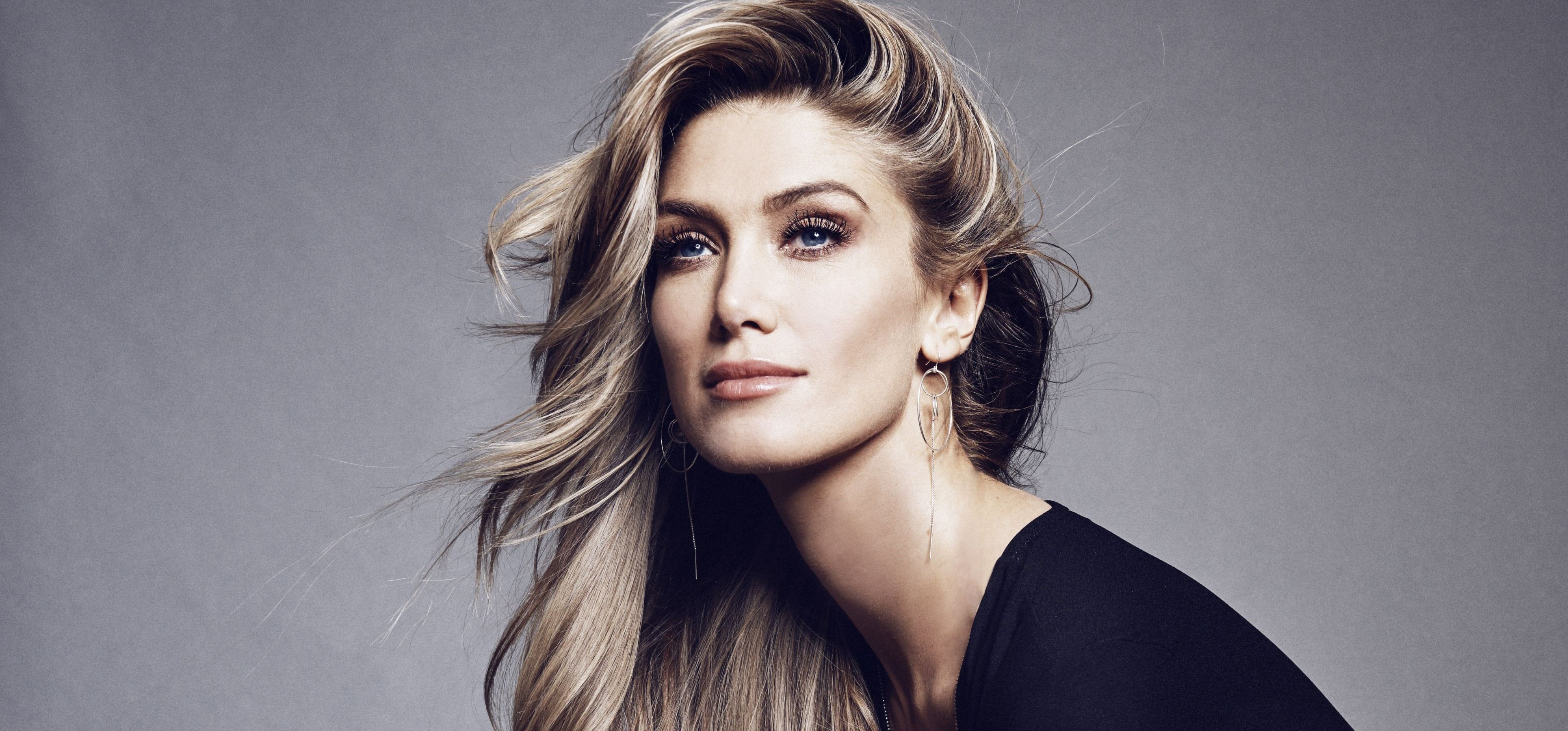 Delta Goodrem's New Single 'Dear Life' Is Available Now!