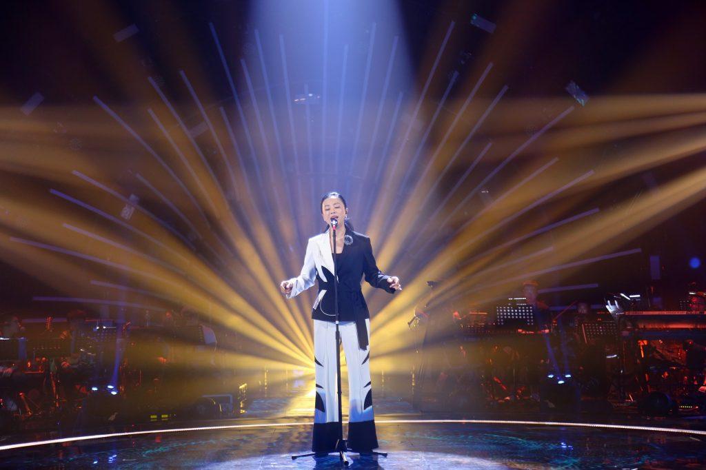 黄绮珊《中歌会》获历史最高分 实力夺冠!感动落泪表白舞台