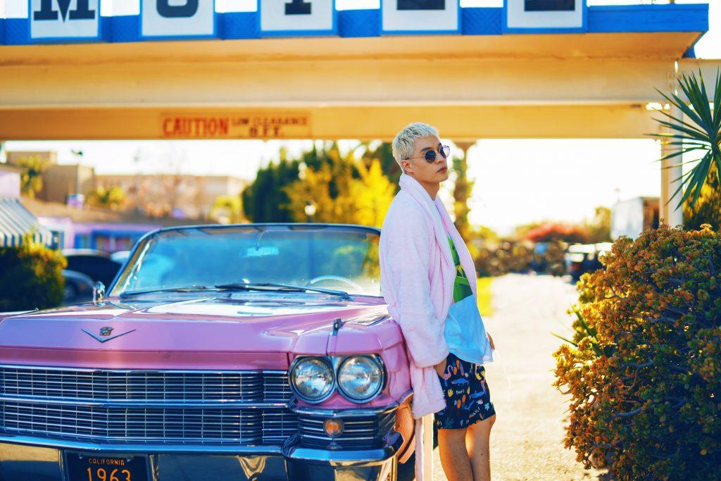 "周汤豪《i GO》 MV连换8种造型  全新创作EP ""WHAT A LIFE"" 7/25发行"