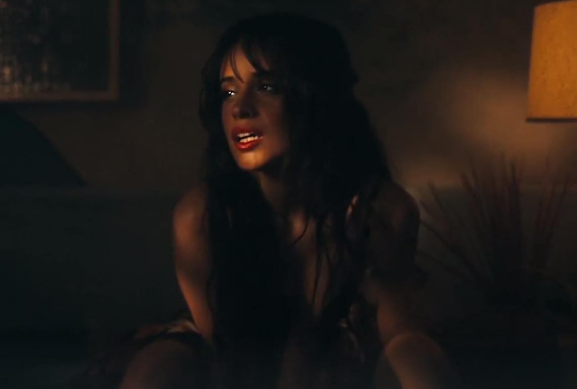 Camila Cabello 《Señorita》 MV