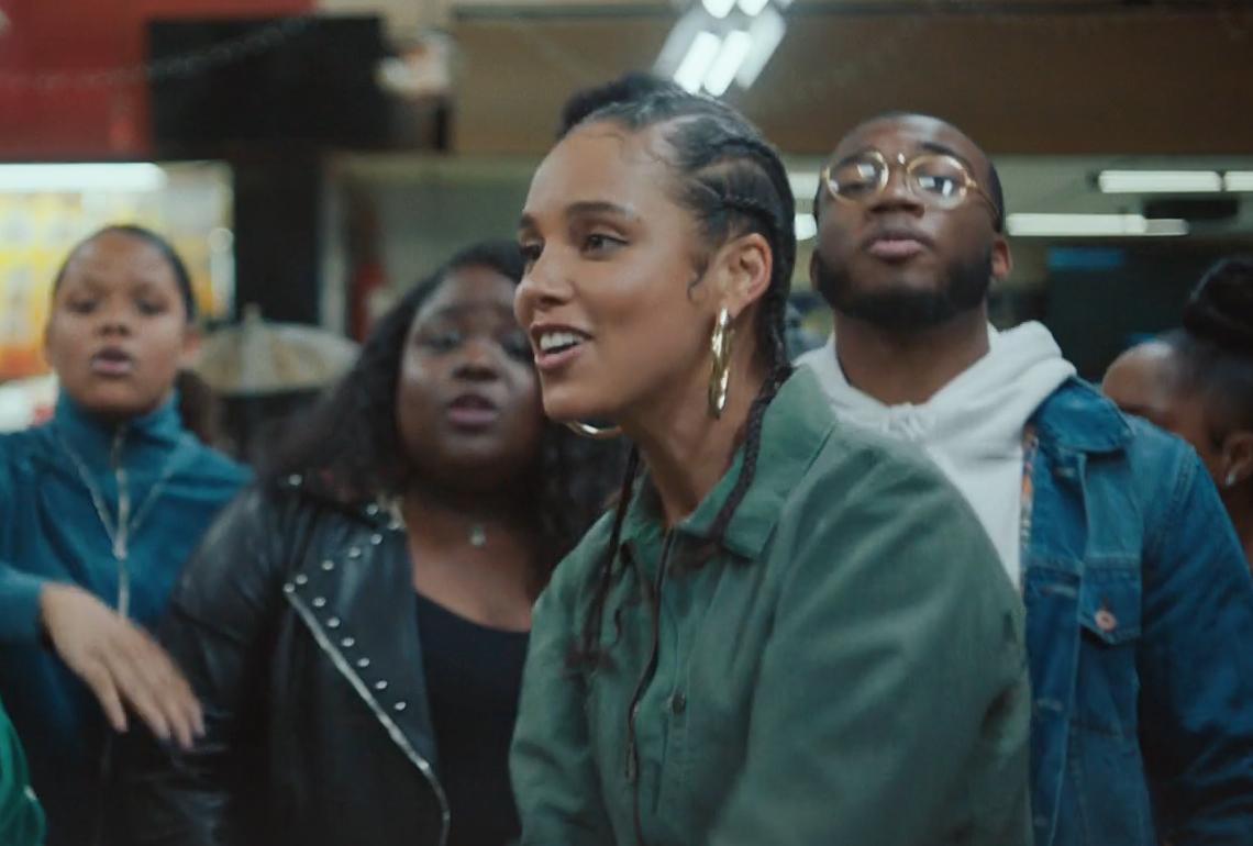 Alicia Keys 《Underdog》 MV