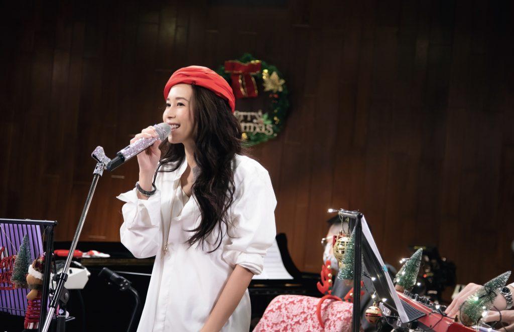 国际天后 Karen莫文蔚 首次直播开唱 高规格演出 天籁美声演唱九首经典歌曲