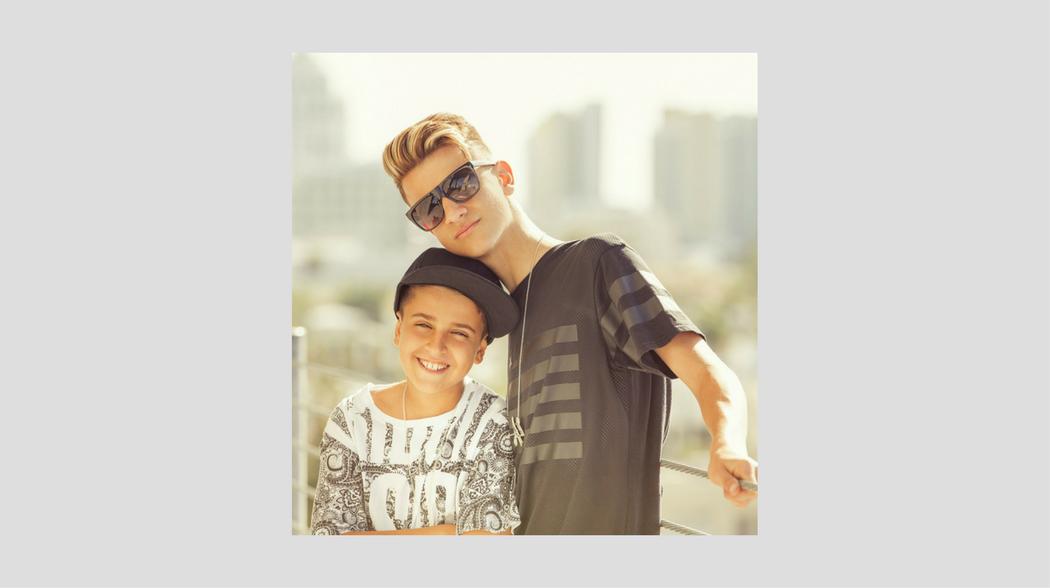 CONOCE A ADEXE & NAU - Sony Music Entertainment México