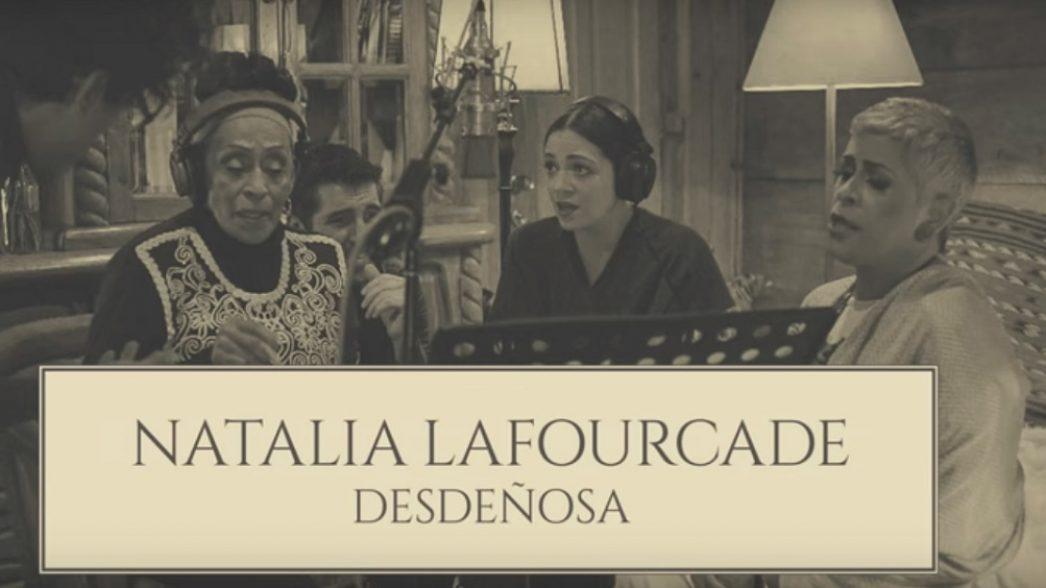 Natalia Lafourcade Desdenosa Nota
