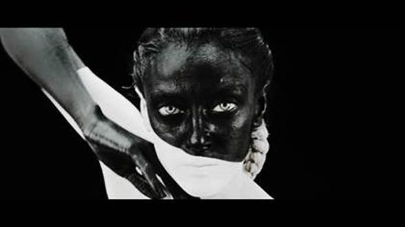 """MELENDI ESTRENA EL ESPECTACULAR VIDEOCLIP DE """"DÉJALA QUE BAILE"""" feat. Alejandro Sanz y Arkano"""