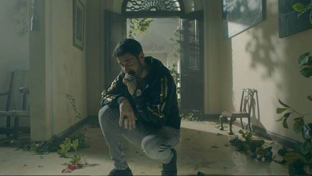"""MELENDI ESTRENA EL VIDEOCLIP DE """"LO QUE NOS MERECEMOS"""""""