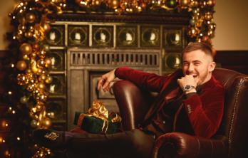Jimilian ønsker alle en sexet jul i år