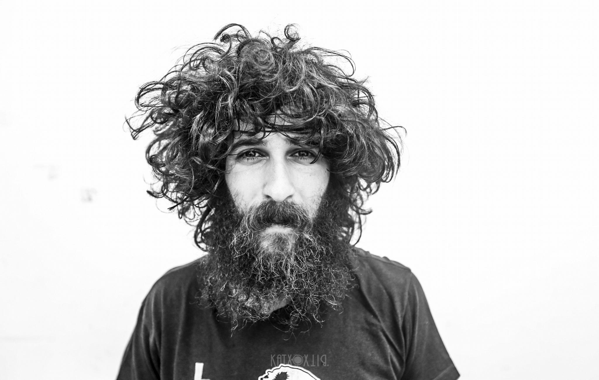 """Ángel Stanich publica """"Rey idiota"""", el anticipo de su nuevo disco"""