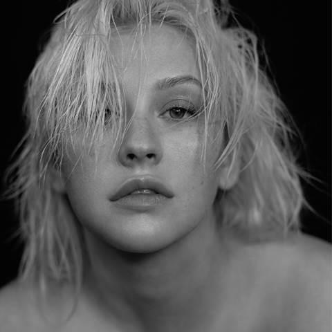 "Christina Aguilera lanza hoy su nueva canción ""Fall In Line"" junto a Demi Lovato"
