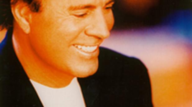 Julio Iglesias recibirá el Grammy honorífico a toda una carrera este domingo en Los Angeles